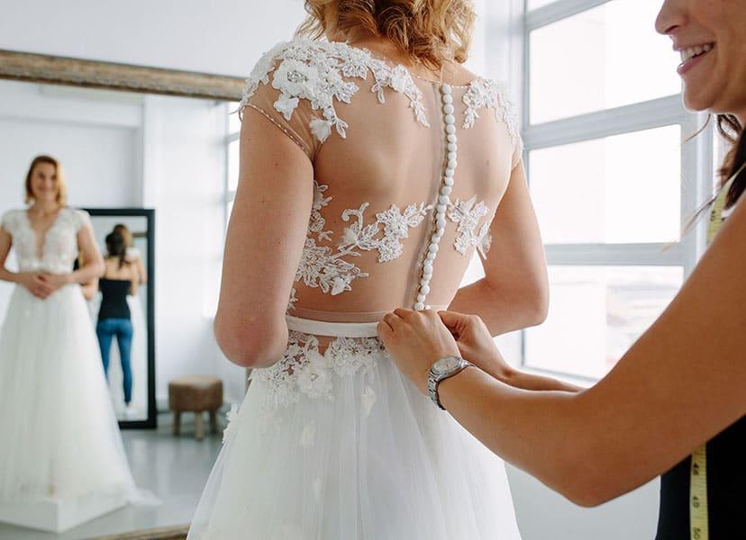 Tips to Adjust with Shapewear under Wedding Dress